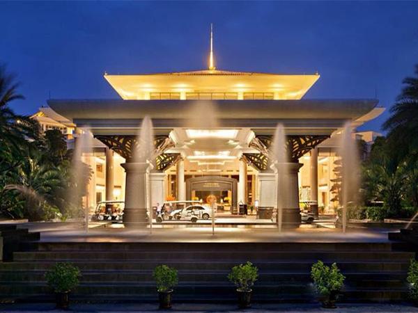 东莞-三正半山酒店