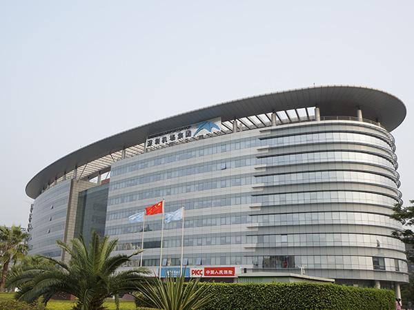 深圳机场楼顶标识